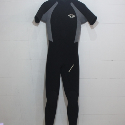 ZERO ONE 3mm Back Zip Short Sleeve Wetsuit L